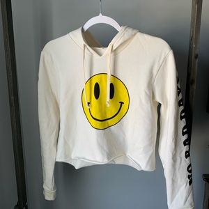 Cropped smiley no bad days hoodie